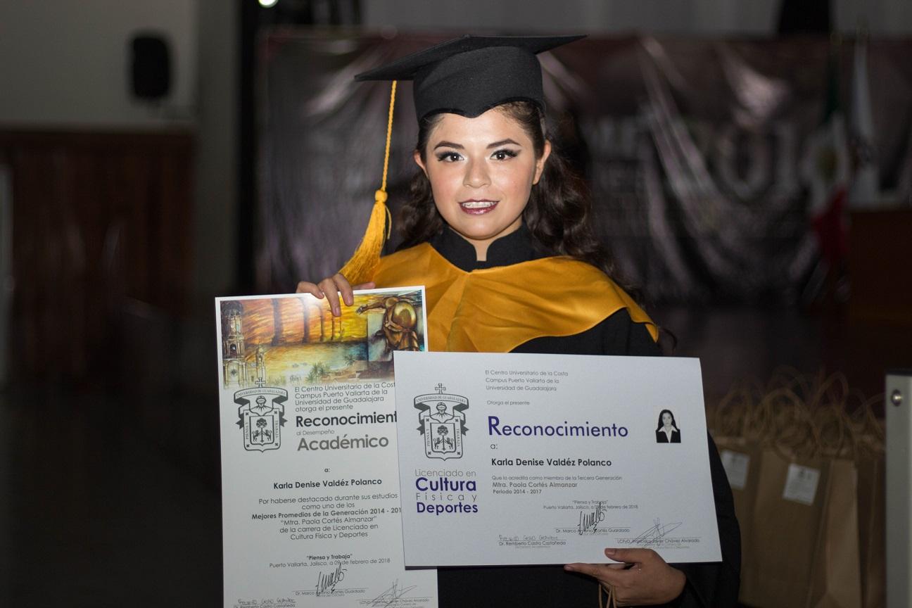 18 egresados obtuvieron reconocimientos al Desempeño Académico Sobresaliente