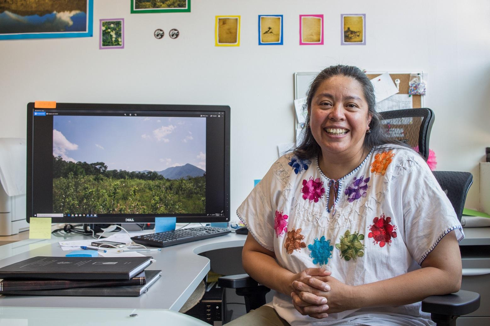 Dra. Araceli Zamora, investigadora del Departamento de Ciencias Exactas del CUCosta