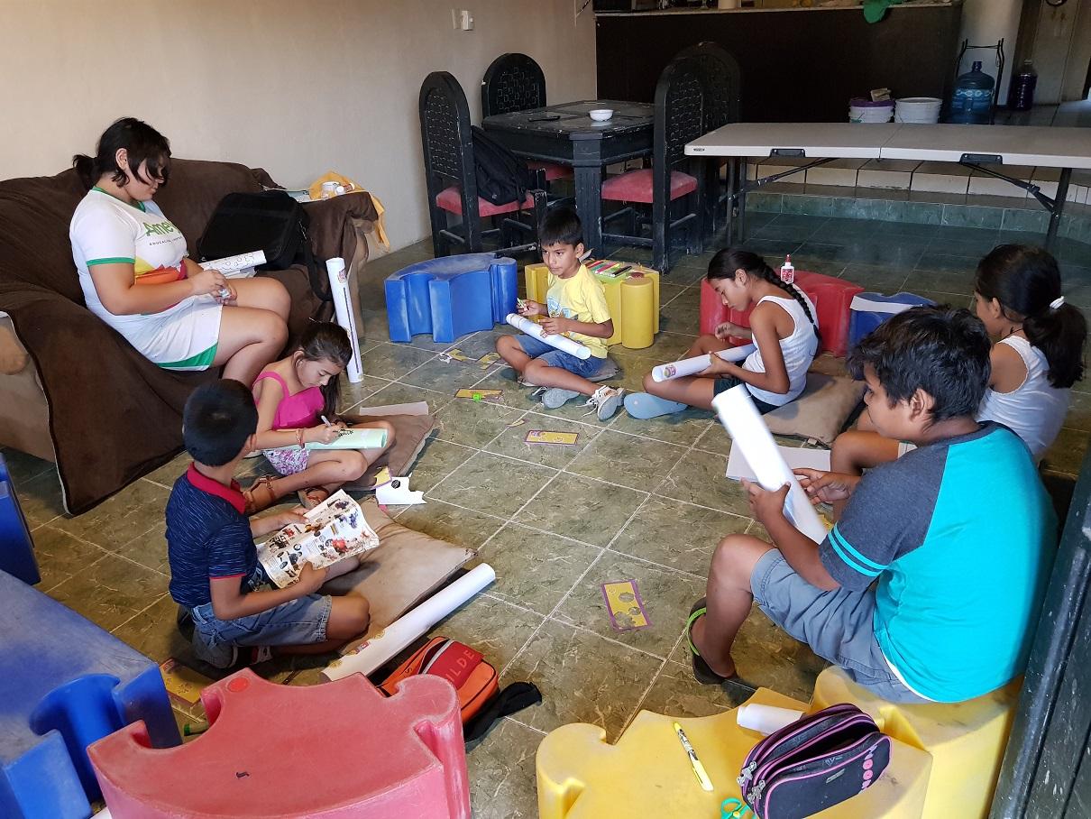 Los niños de la agencia municipal Mojoneras también pueden acceder a la Sala de Lectura