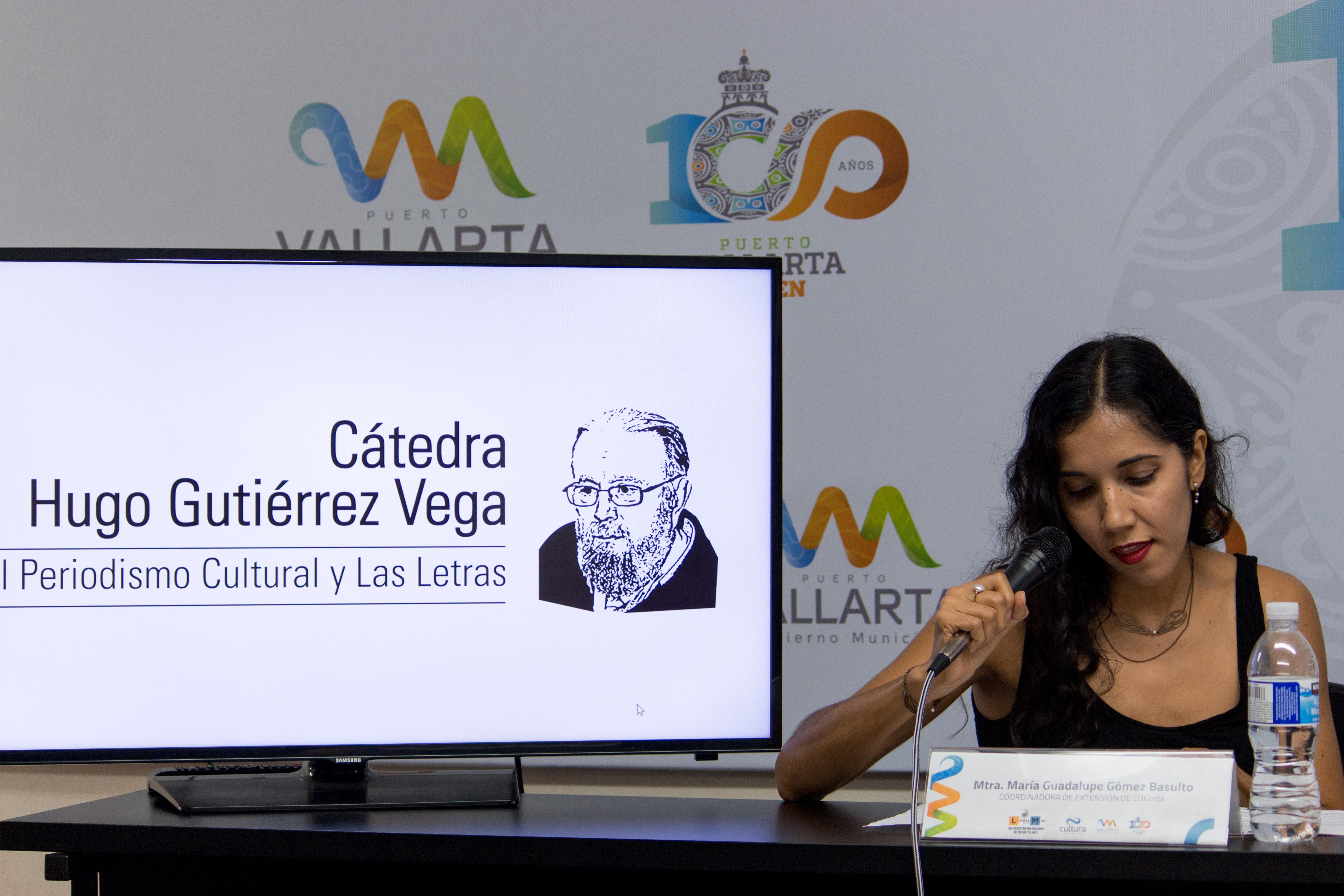 El escritor Francisco Hernández será homenajeado en el CUCosta, informó la coordinadora de Extensión, Guadalupe Gómez Basulto