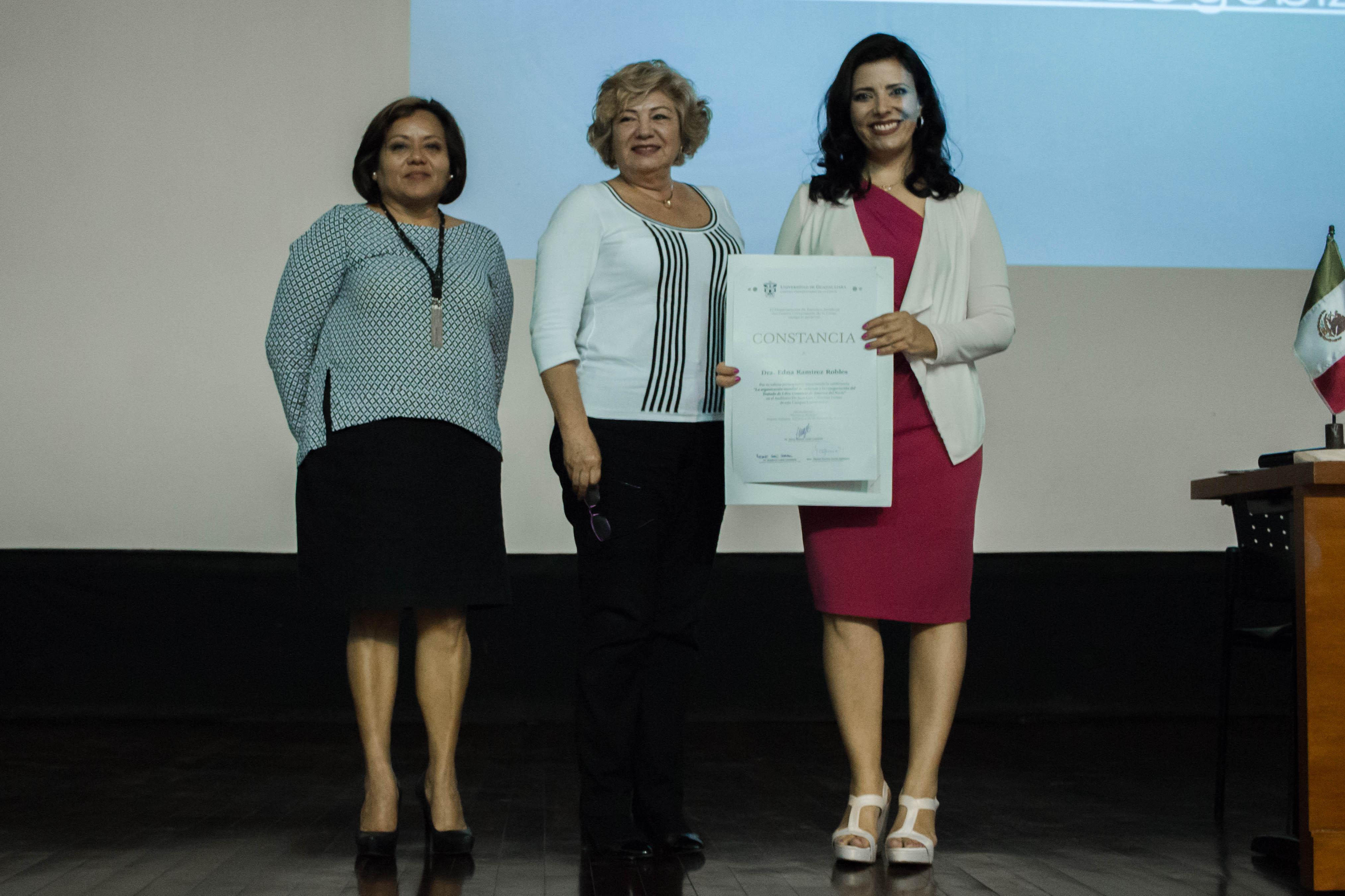 Mtra: Martha Patricia García, Mtra. Ma. Antonia Abundis y Dra. Edna Ramírez Robles