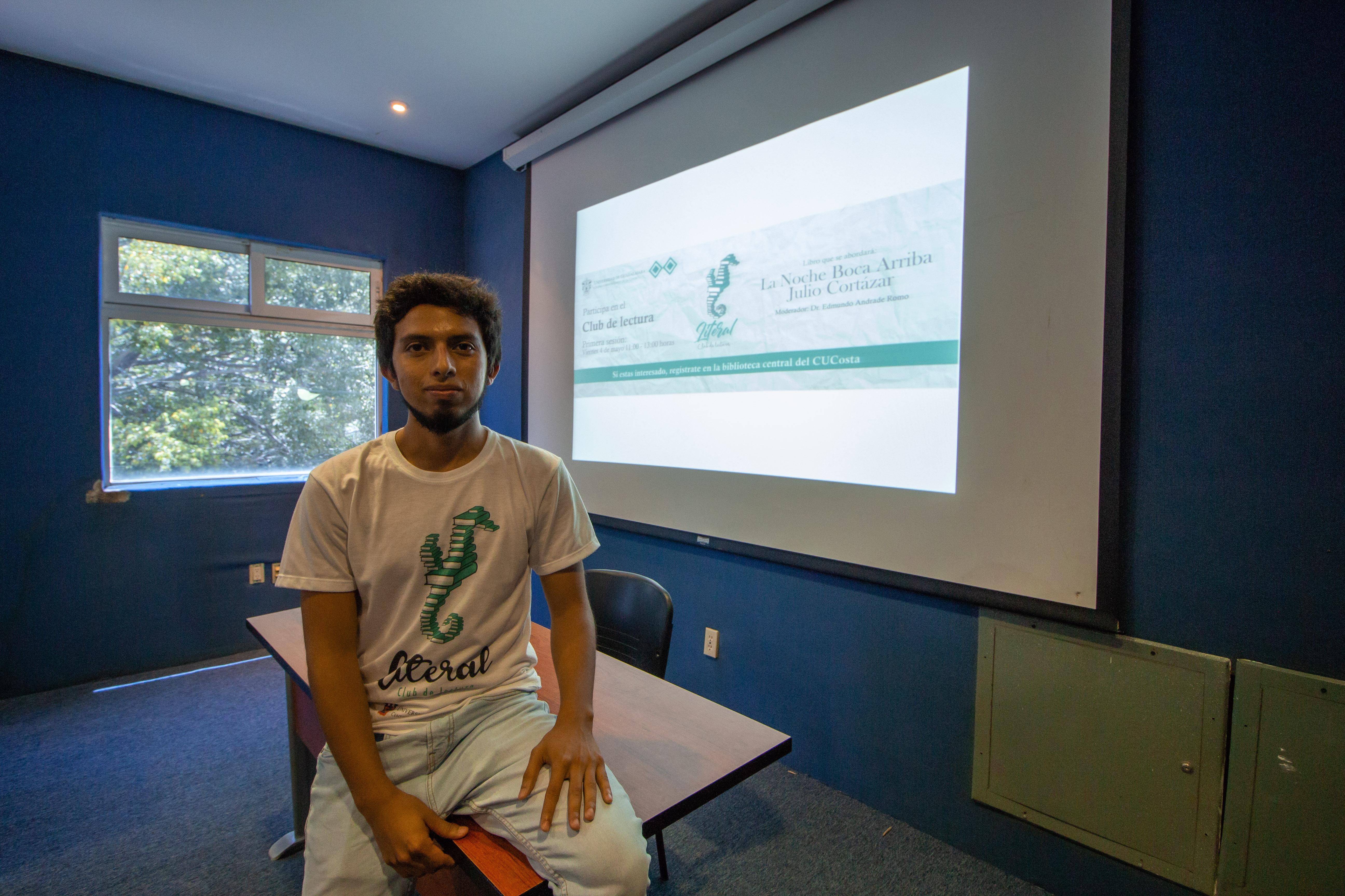 Jair González Leyva, estudiante de la Lic. en Turismo del CUCosta