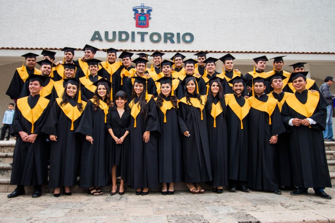 32 egresados integran la 3era. generación de Cultura Física y Deportes del CUCosta
