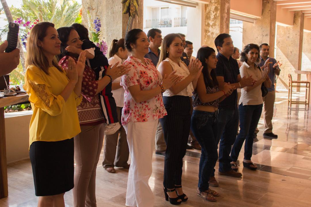 Adolescentes, jóvenes y adultos mayores participan en los cursos gratuitos