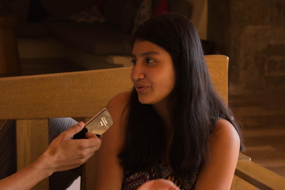 Giovanna Estefanía Sánchez Larios estudia inglés y francés en la Casa de Vinculación Mojoneras