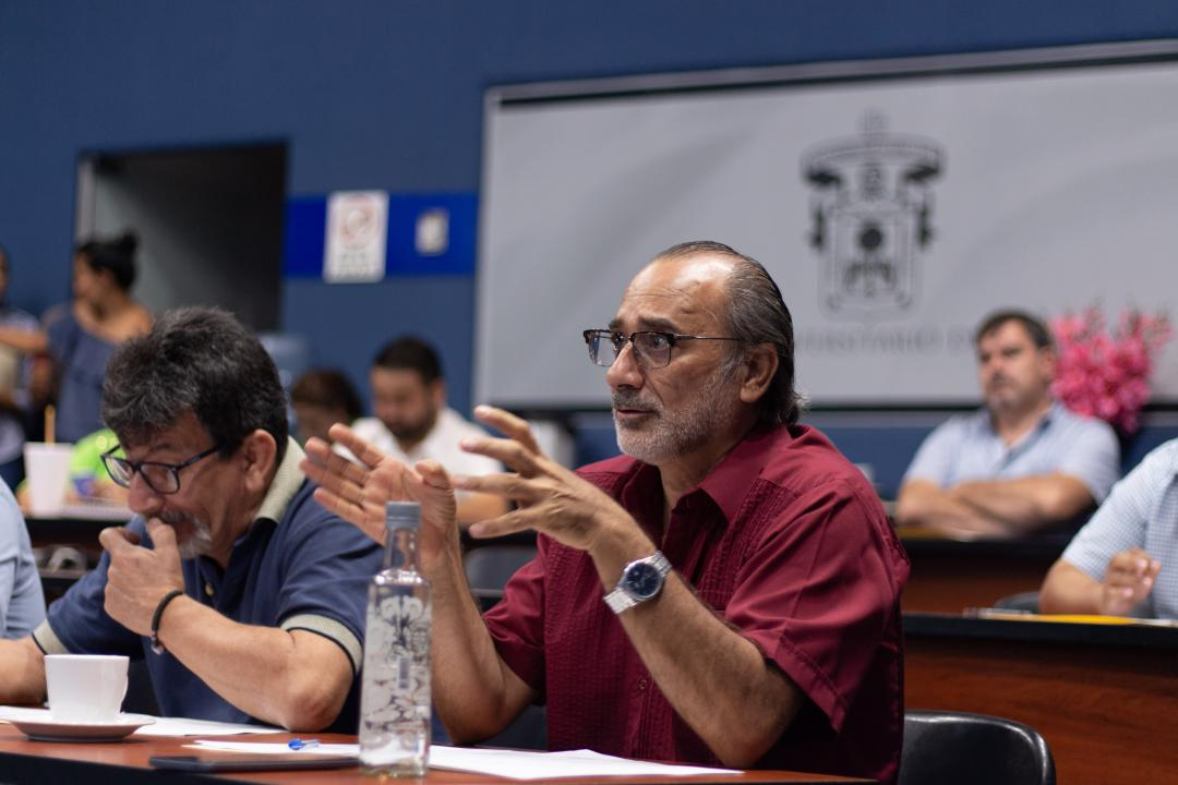 Edmundo Andrade Romo se pronunció a favor de la candidatura del maestro Alcántar Martínez