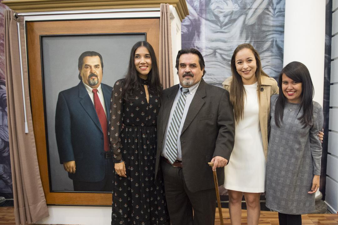 Autoridades del CUCosta también asistieron a la ceremonia efectuada en el Museo de las Artes