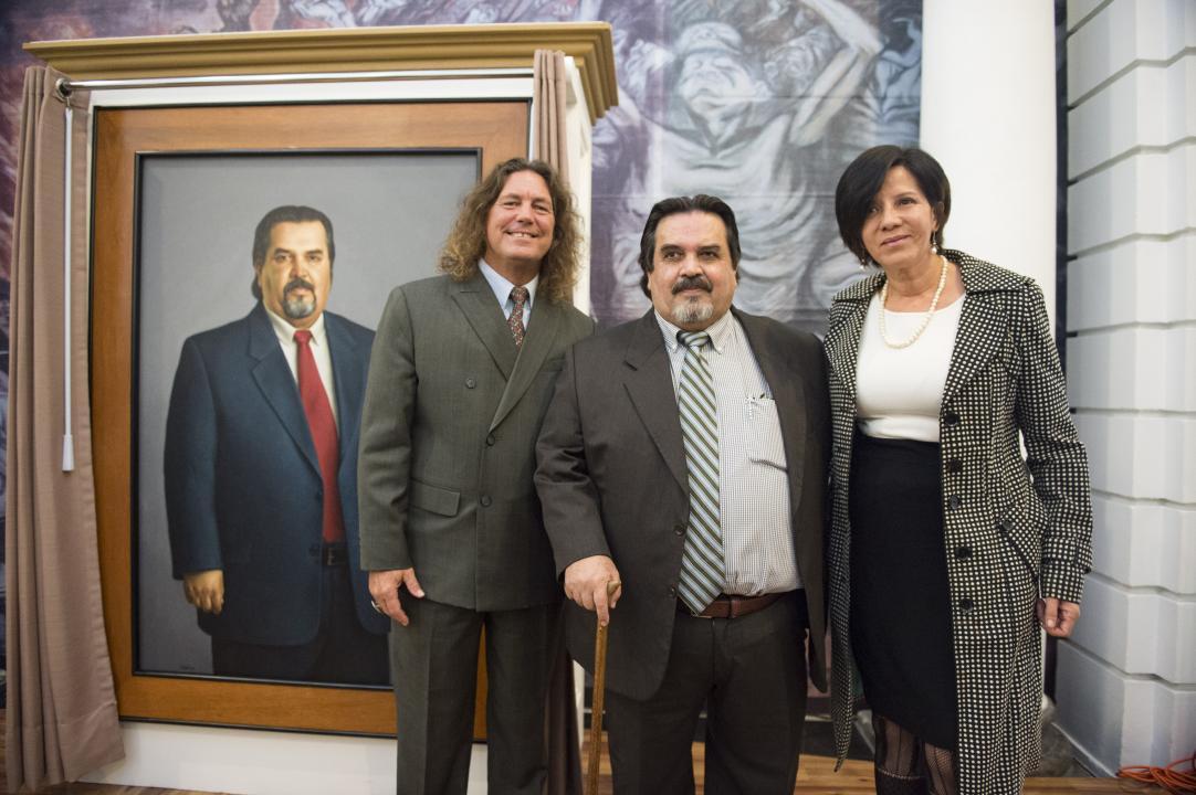 (De izq. a der.) Michael Nolen, Dr. Marco Antonio Cortés, Dra. Cecilia S. Shibya